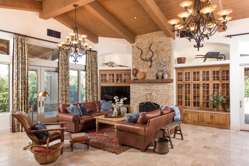 客厅地中海风格设计是家居的最大魅力,来自其纯美的色彩组合。