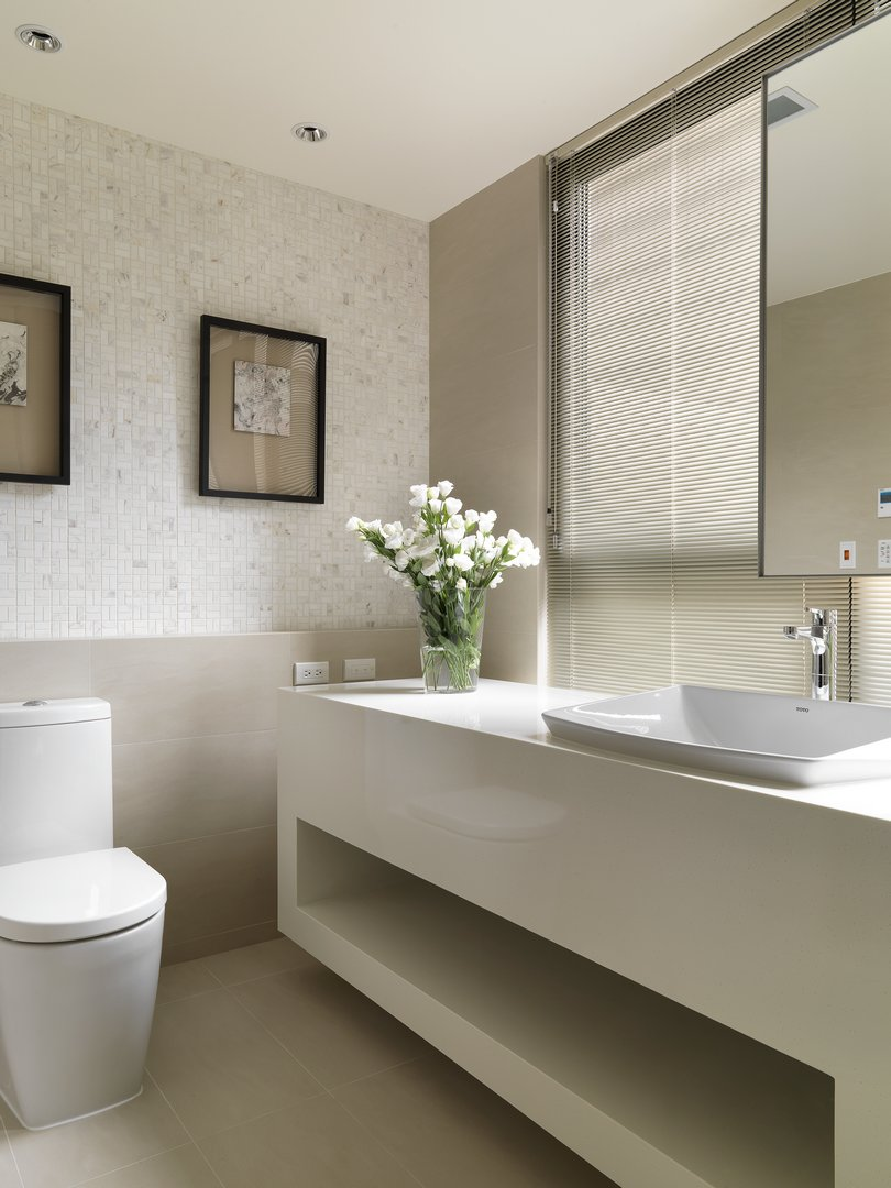 卫生间以为色为主,简洁干净,以便打扫