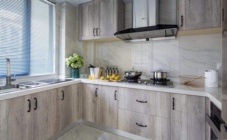 厨房是现代北欧风格的色调,又结合现代工业风的精简,干净整洁,大方。