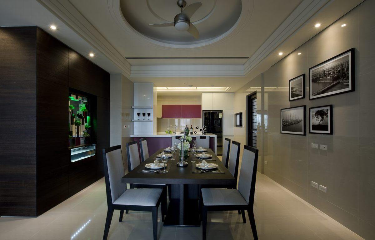 餐厅,营造了时尚的美式就餐环境,旁边清晰的可以看到厨房