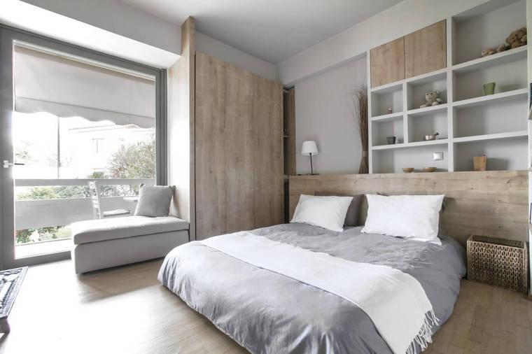 搭建了丰富的木质储物柜,大容量的储物空间可以将卧室打造的洁净,井井有条。