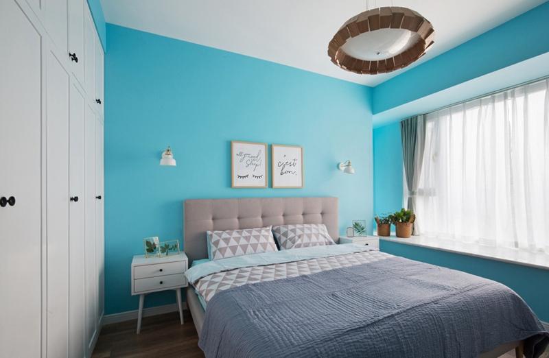 卧室的双层墙式衣柜,把实用功能体现得淋漓尽致!