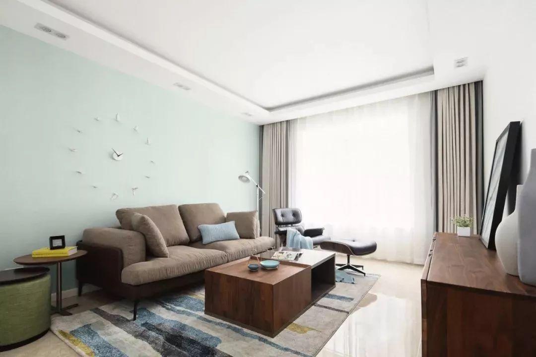 客厅的配色非常的清新柔和,整体给人感受自然清新,宁静舒适。