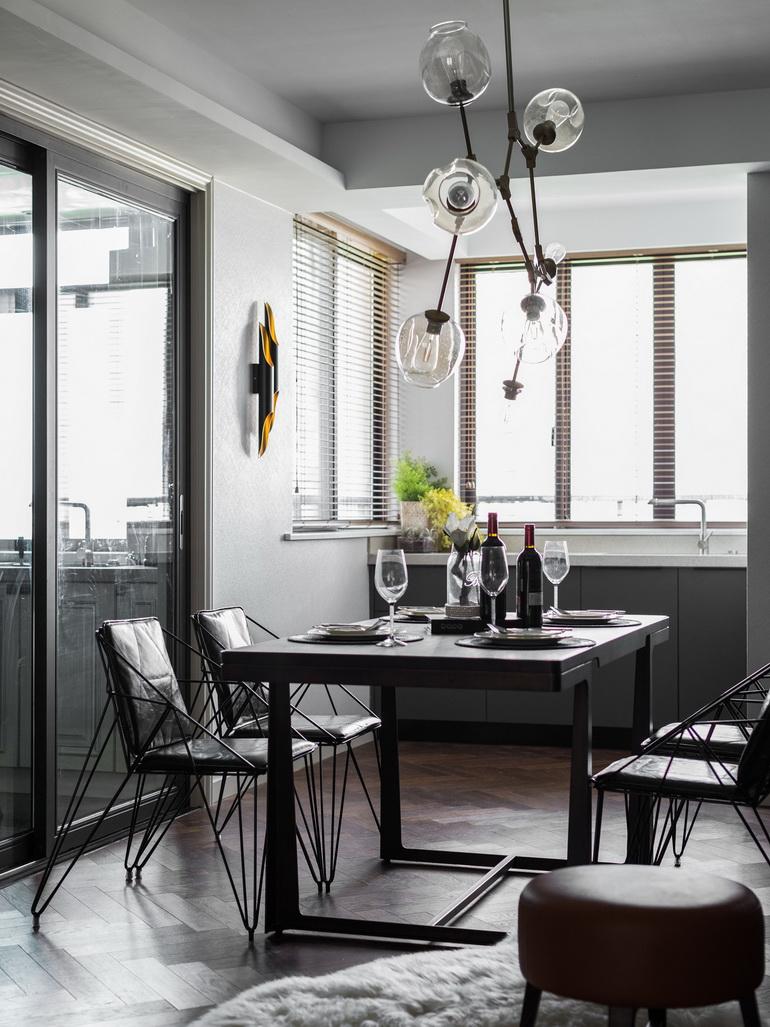开放式客餐厅,空间感更强,真的是整洁又壮观,十分实用。