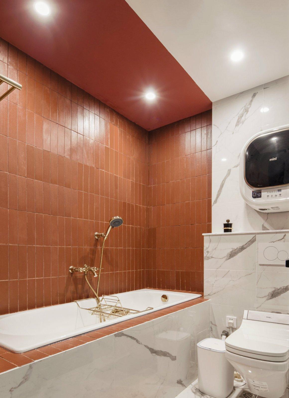 主卫设计了浴缸,下班回来适当放松一下,让每一天的开始都动力满满。