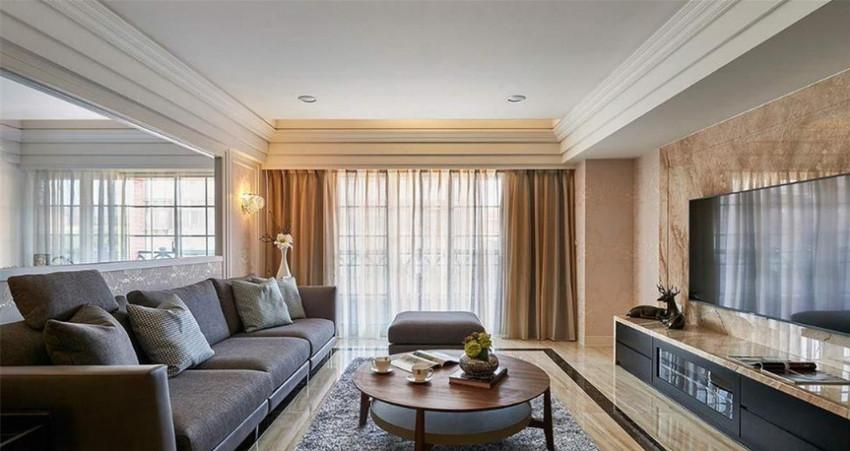 屋主指定的大理石电视墙纹理延伸,地坪处择以相仿色泽纹理瓷砖。