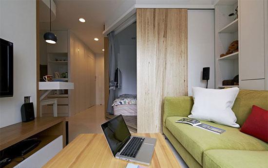 五角形的睡眠空间,天花板及架高地板互相呼应,本身也成了视觉上的造型之一。