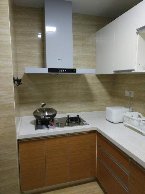 爱空间标配的厨房,干净,整齐。