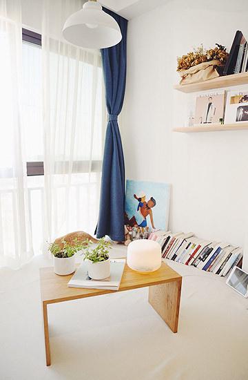 精心布置的榻榻米沾染着慵懒的情调,搭上午后的阳光,便是最舒适的发呆休憩场所。