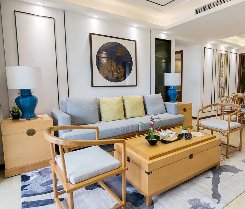 虽然是中式,但走得却不是大气辉煌的风格,而是更为平常的中式家具。