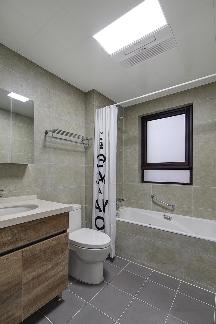 照镜子、正衣冠、洗洗澡 ,在每一次的沐浴中接受心灵上的洗礼。
