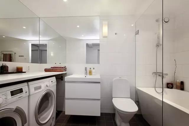 厕所采用了干湿分离,清爽干净,很简单却相当大方的好设计。