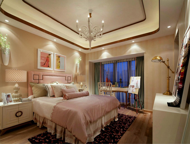 次卧与主卧相得益彰,不同的是次卧主要以粉色为主基调,两种不同的色调创造出不一样的空间美感。