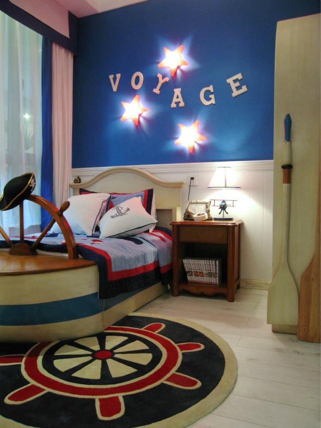 儿童房可爱又卡通,创意又惊喜的床,充满幻想的星星背景墙,为孩子编制一个美好的梦。