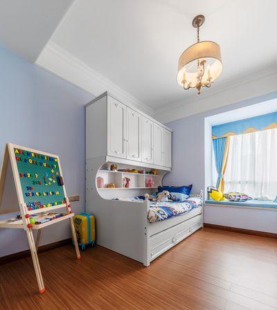 原本房子的布置风格下,儿童房不需要另外设计,沿用蓝色调就可以。