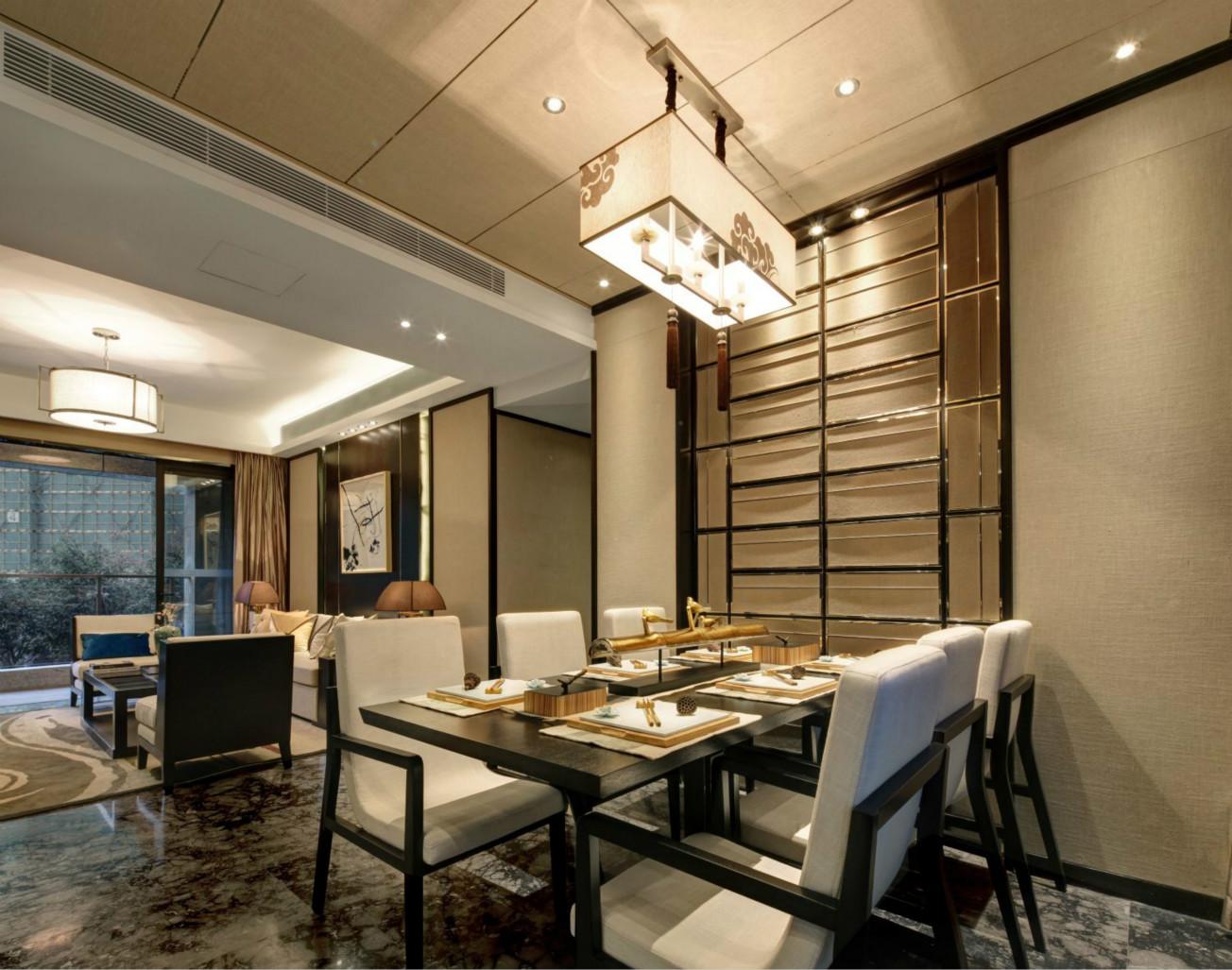 餐厅布置很温馨,经典的地砖朴实无华。