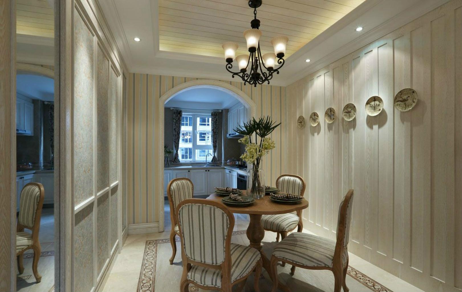 餐厅做了桌椅的设计,背景墙的碟子装饰吸引了大家的目光,让人不觉餐厅的格局小