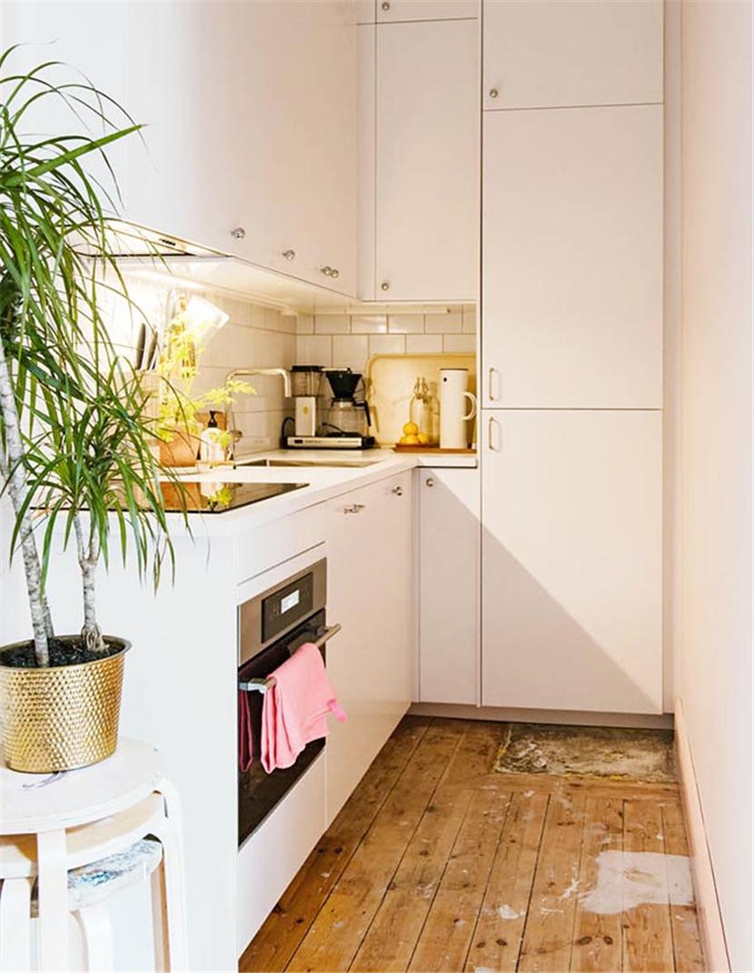 选择浅色木质地板,和带有复古色彩的懒人沙发,增添了质朴的气息。