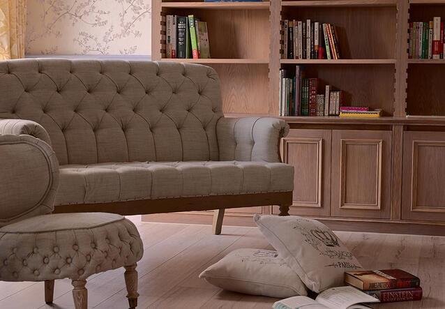 木纹肌理铺陈的空间里,挑选优雅线条的家具与风格软件,展现柔美情怀。