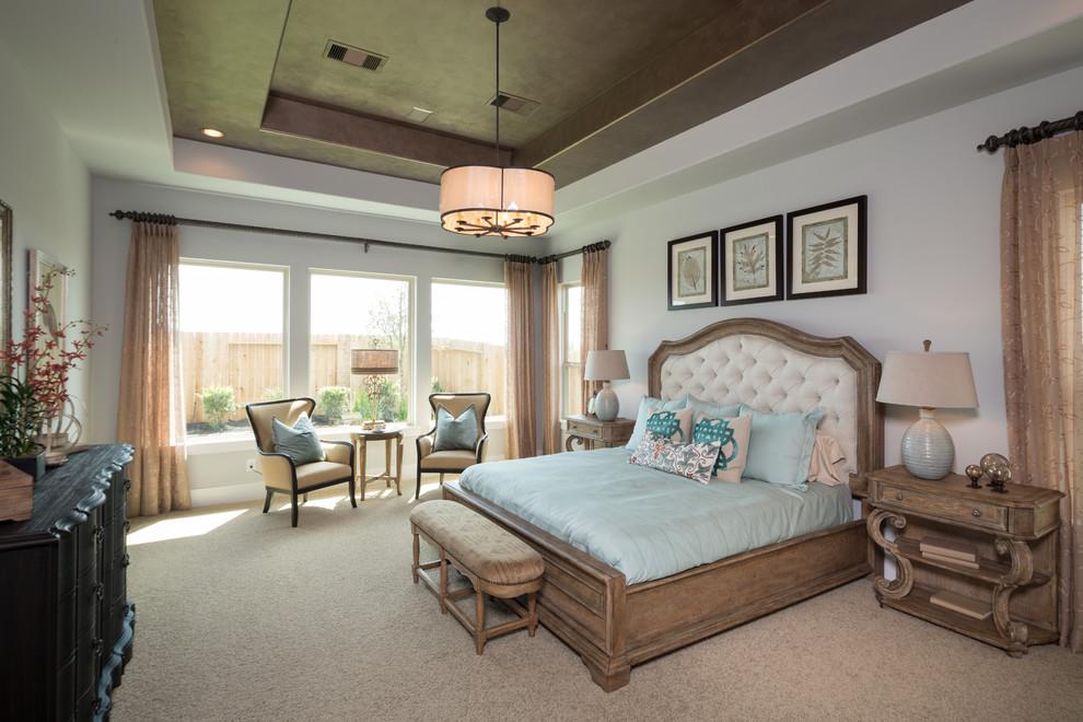 次卧以及蓝色系的沙发,真的让人非常安静,感觉自然就在手边,触手可及。