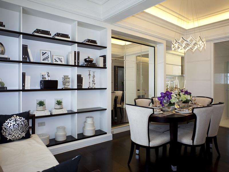 多格柜子既可以用来放置杂物,又可以起到装饰的作用。