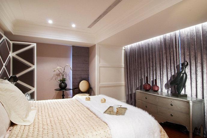 淡雅的色调笼罩室内,营造出静谧舒适的睡眠环境。