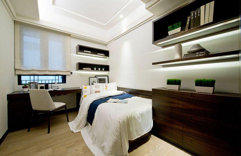 卧室典雅大气,让人静静的享受宜人的独处。