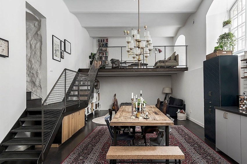 进入室内首先是长长的餐椅,就像大食堂一样,可口的美味,喧闹的氛围,坐等你的到来。