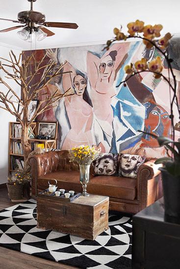 棕皮沙发、抽象裸女画像又为复古的北欧风混进了自由奔放的嬉皮士灵魂。