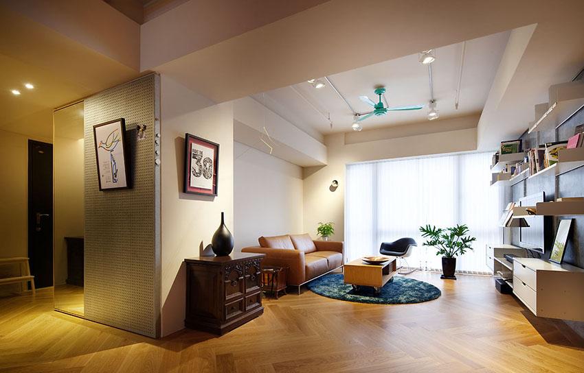 没有过多装饰的客厅,清爽利落,视野开阔。
