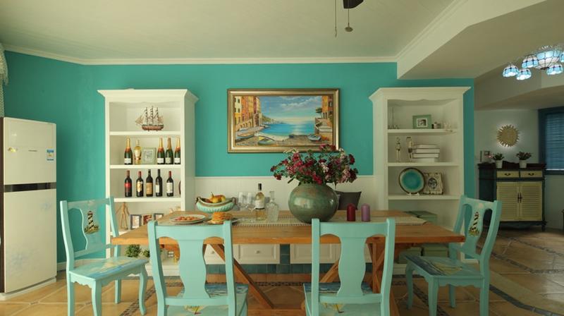 油画是提升格调的佳品,花拼则是每个餐桌必不可少的装饰。