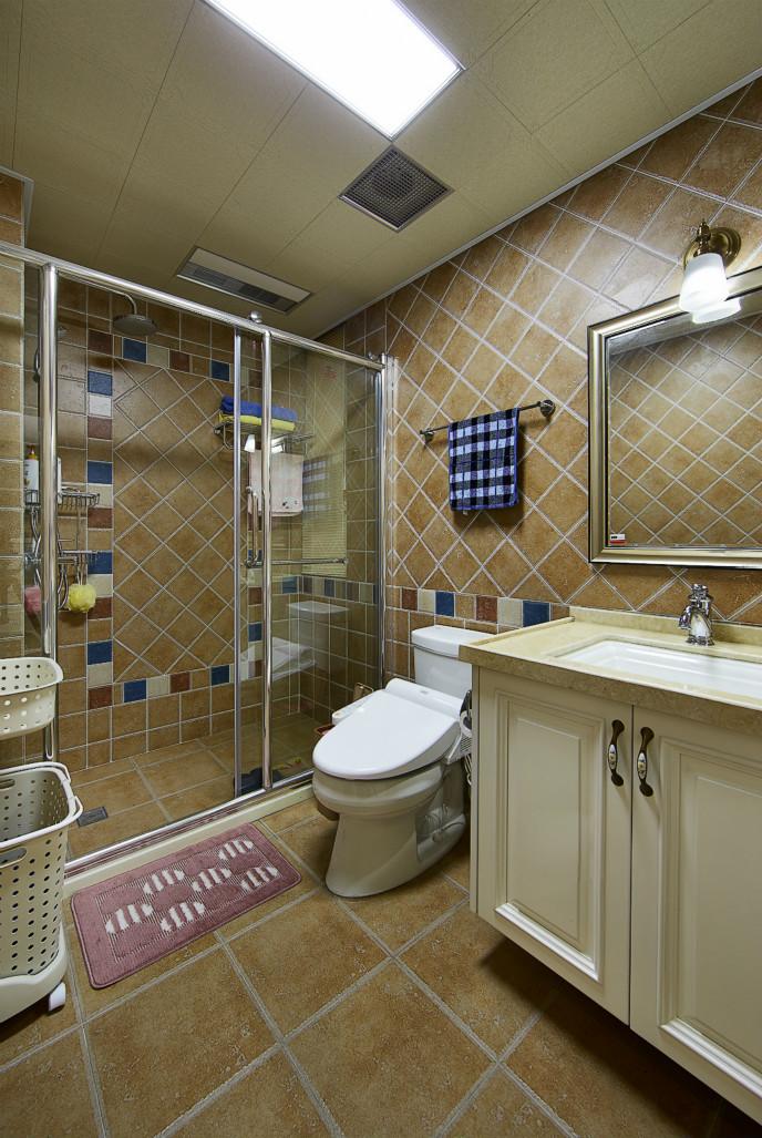 卫生间做了干湿分离,能让不同空间各为所用,互不影响