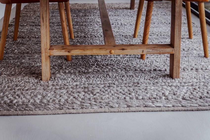 没有使用皮毛制品,地毯就是最好的证明。