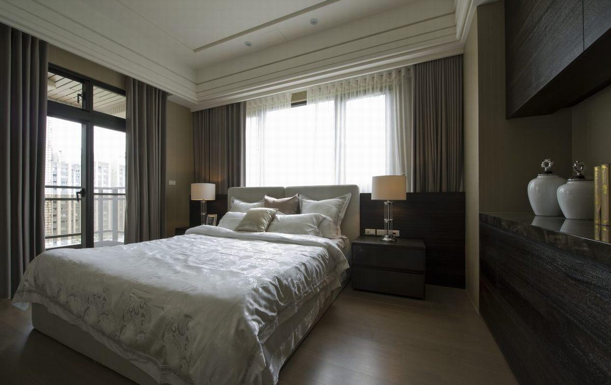 卧室的装饰简单之中又不失温馨优雅的风格