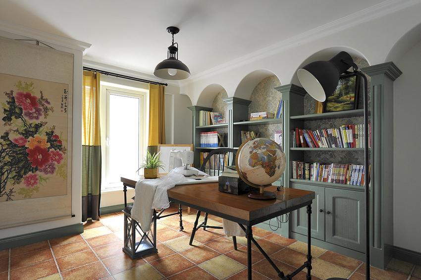 图中把书房与客厅融为一体,打造出了一个随时随刻都能舒心阅读的开放式书房