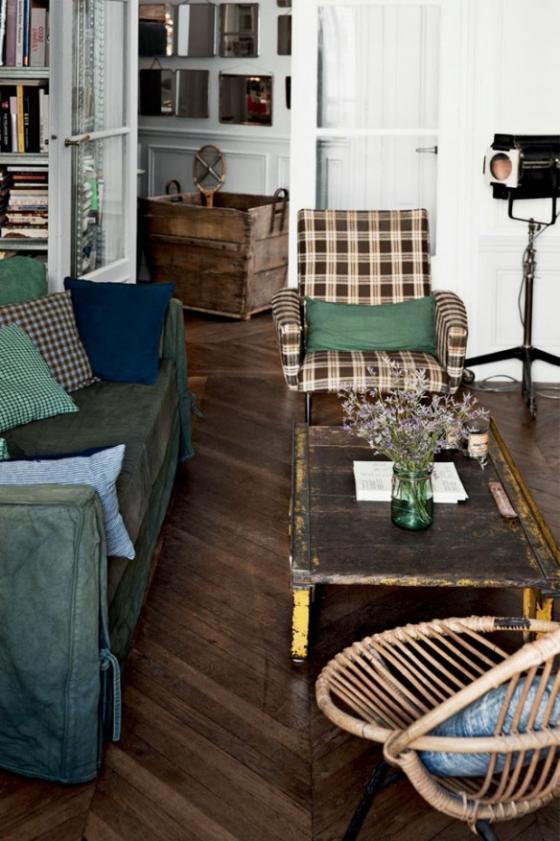 绿色和灰色是屋主最爱的两种颜色,搭配复古的家具,既有文艺气息的清新感,又有旧物带来的沉淀感。