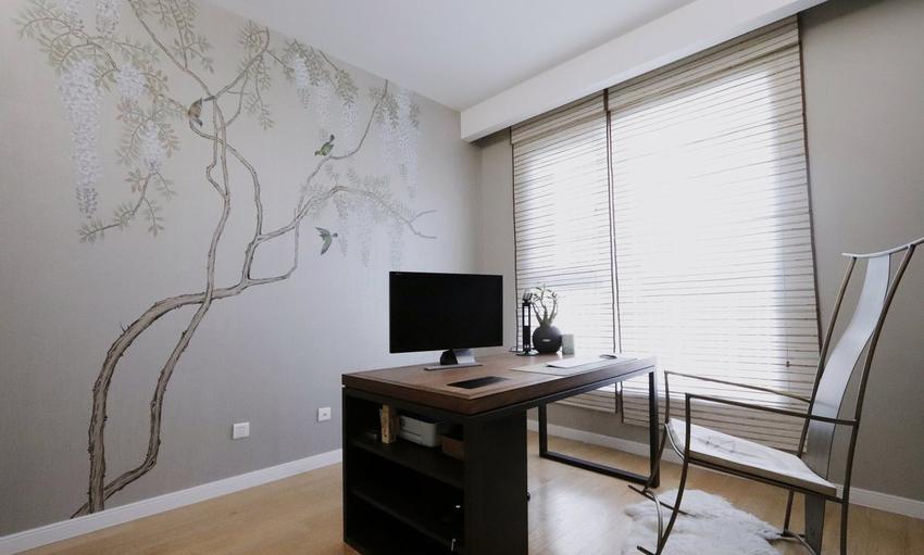 墙面花鸟壁纸也是量身定制,一种闲适悠然的阅读环境。