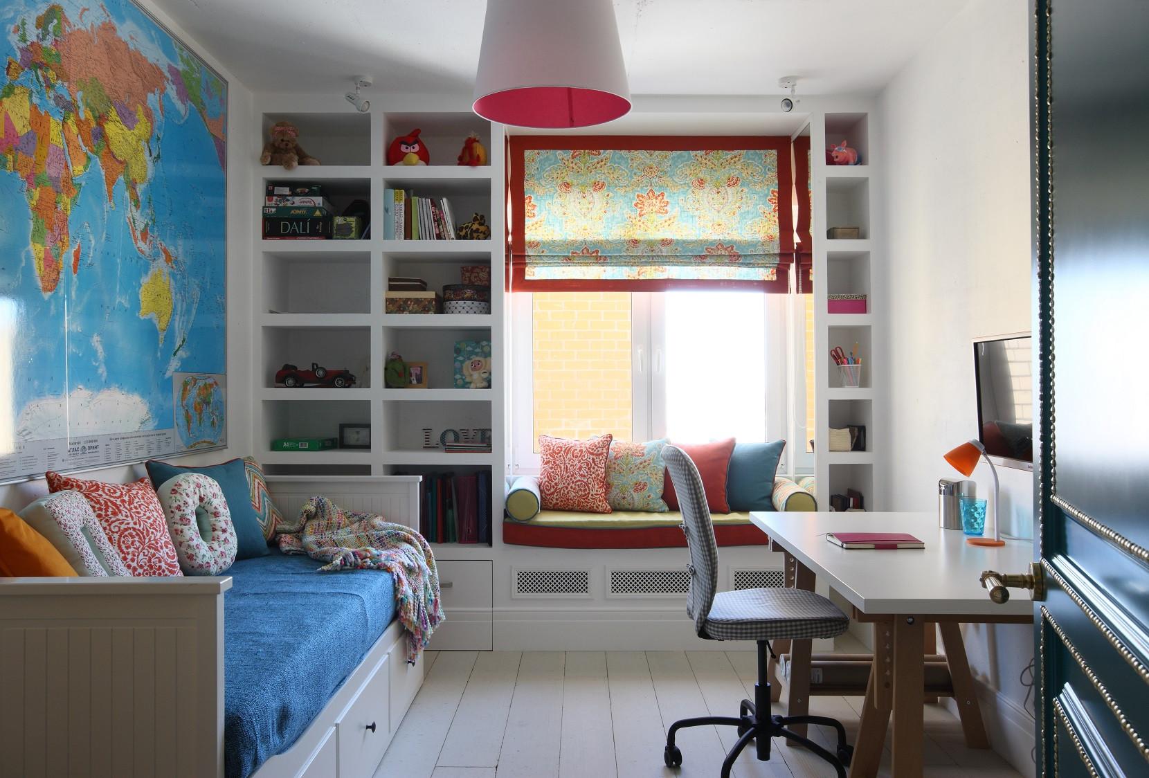 这是一个孩子学习的场所,颜色比较炫彩,有利于孩子增加更多的思考空间的上升