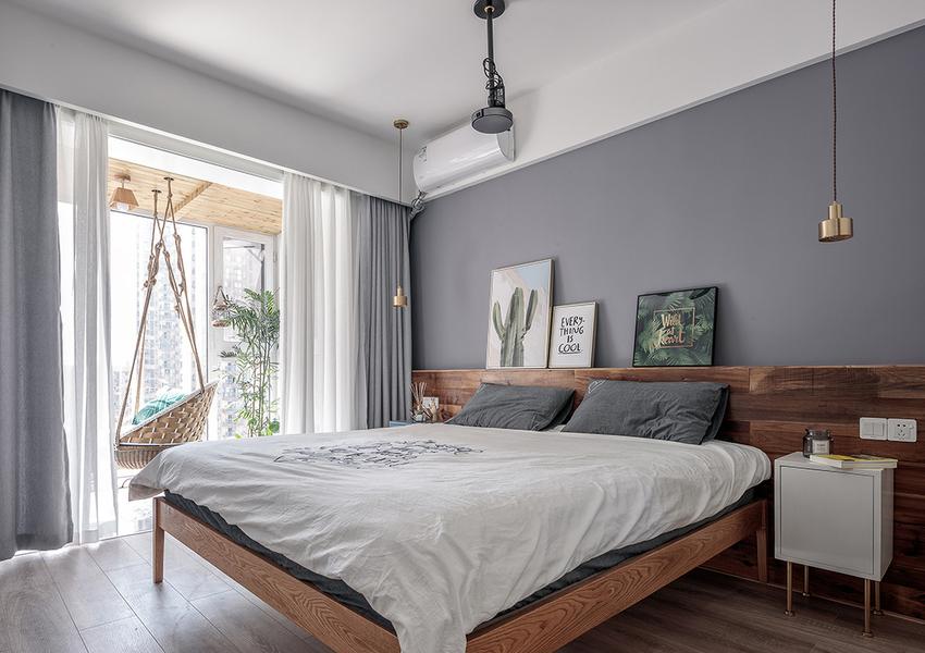 全屋最好的阳光让主卧空间从早暖到晚,静谧的色调赋予了主卧宁静的氛围。