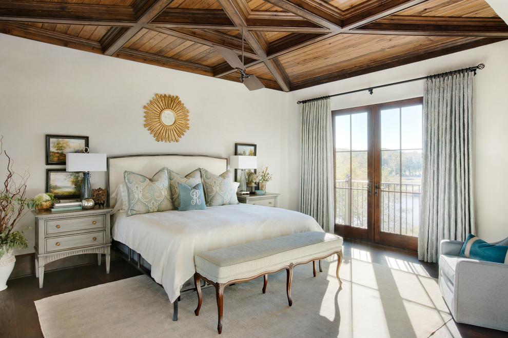 卧室位置特别好,清晨,打开窗户,阳光明媚,光线照耀着每个角落,美好一天又开始了。