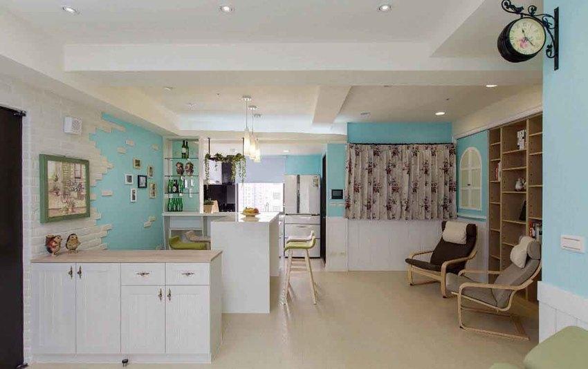 屋主无风水的考量,玄关入室设置半高鞋柜,让开放式设计的空间一览无余。