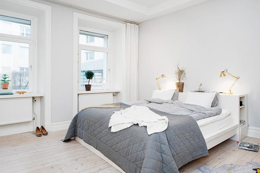 卧室没有什么复杂的设计,简单的色彩搭配,自然而又温和。