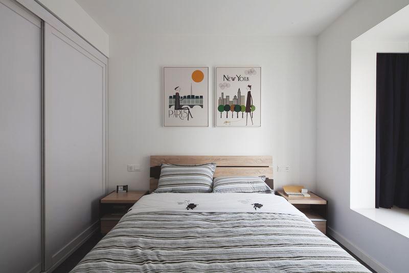 次卧简单干净,空间紧凑。