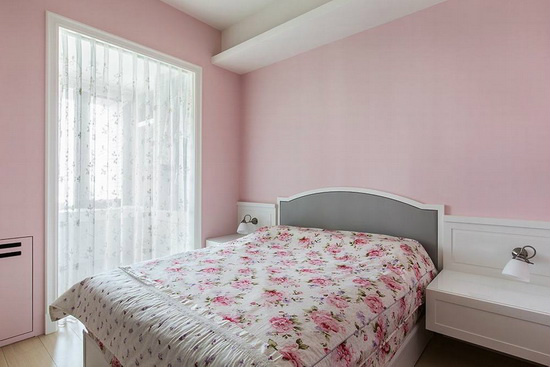 以粉色营造甜美浪漫的氛围,满足屋主对公主风的向往。