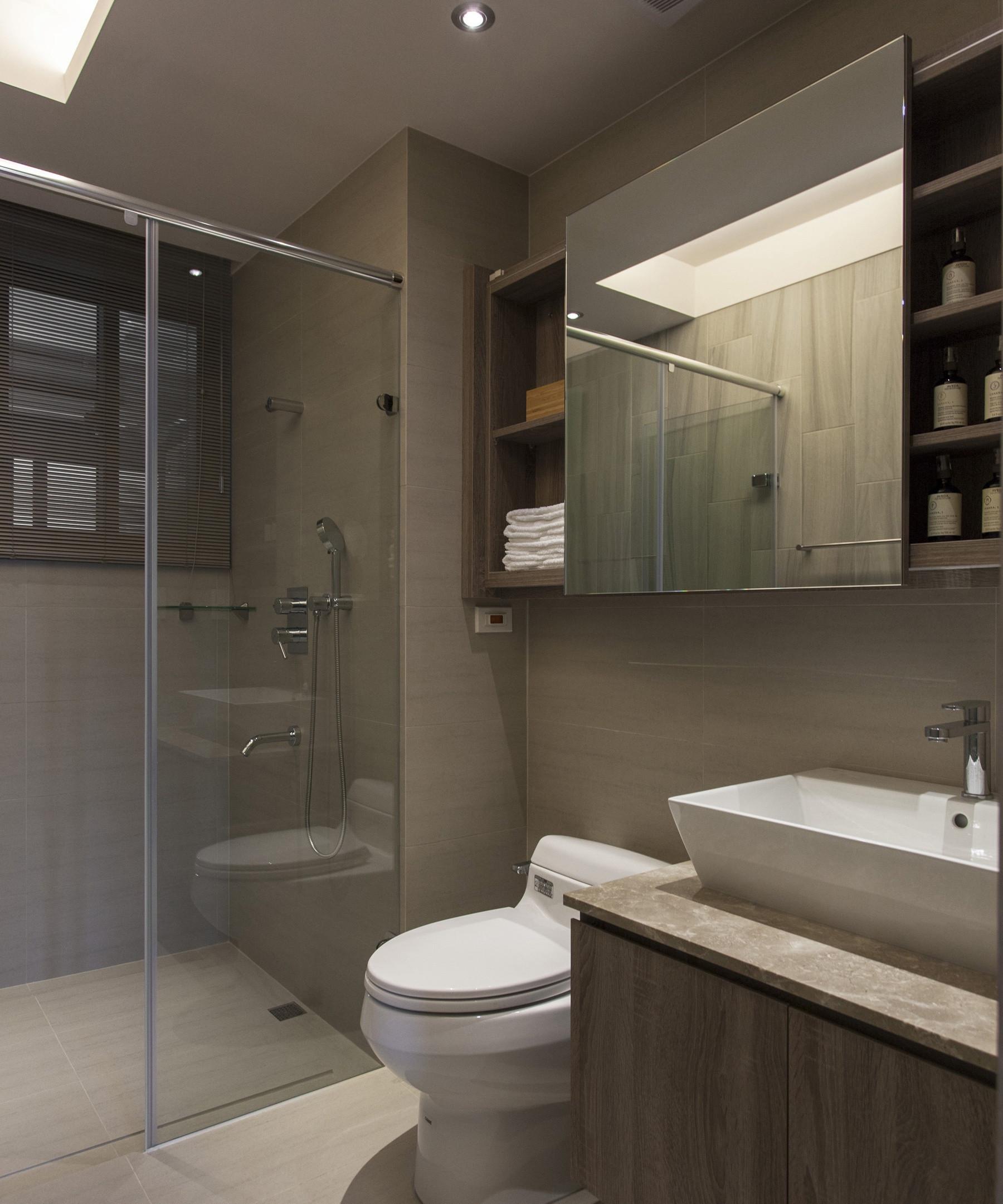 卫生间处选择了干湿分离的设计,整体感更强。