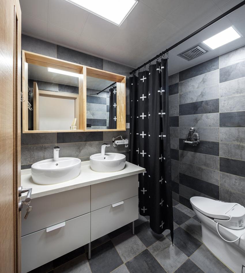 黑与灰勾画出暗黑系洗浴间,双台盆、双镜柜,幸福的二人世界。