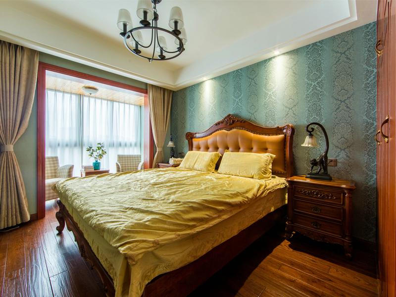 私以为,绅士淑女的卧房大概就是他们性格与梦境的模样,而眼前这间必定属于浪漫睿智的人。