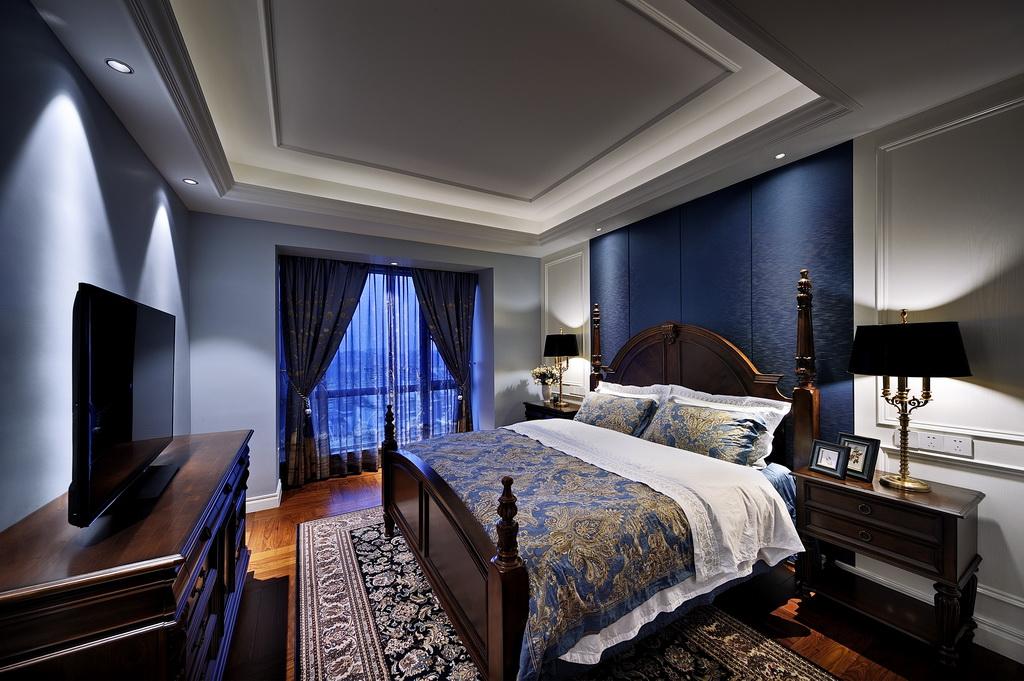 卧室布置较为温馨,作为主人的私密空间,主要以功能性和实用舒适为考虑的重点