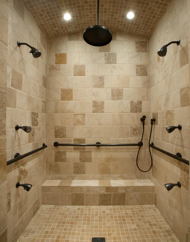 卫生间上面以墙砖铁艺金属雕花的设计,古典雅致