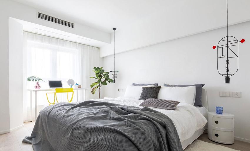 主卧采用了简单的的北欧灰白色系,回归自然,营造出一种舒适、宁静的氛围,简单、自然让身心得到放松。